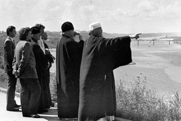 Владыка Николай показывает митрополиту Алексию город