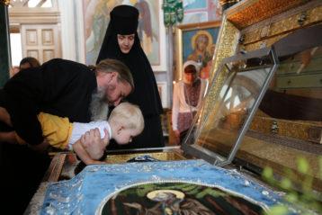 1 июля. Божественная литургия в Троицком соборе Серафимо-Дивеевского монастыря (фото монастыря)