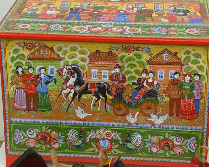 В глубь веков. Выставка народных художественных промыслов в Выставочном комплексе.