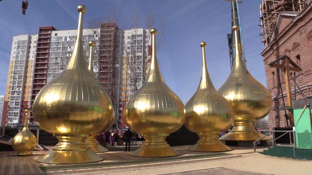 Божий дом. Освящение крестов и куполов строящихся храмов в Автозаводском районе Нижнего Новгорода и селе Федяково.