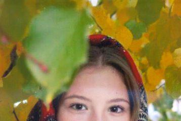 «Золотая осень в платке». Автор Елена Сидорова, 15 лет. III место