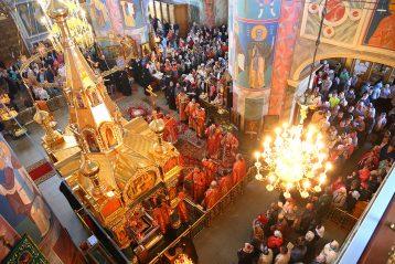 18 мая. В Троицком соборе Дивеевского монастыря (фото Сергея Лотырева)