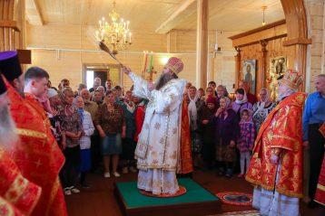 8 мая. Во время освящения храма в честь святой великомученицы Параскевы в селе Ямнове (фото Александра Чурбанова)
