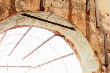 18 июня. Первая почти за 100 лет Божественная литургия в разрушенном Спасском храме села Слизнева Арзамасского района (фото Арзамасского районного благочиния)