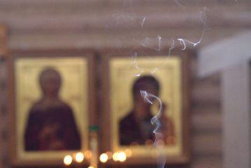 4 июня. В Александро-Невском храме села Троицкое Сахалинской области (фото Алексея Козориза)