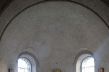 30 ноября. Во время Божественной литургии в возрождающемся Никоновском храме села Варварское Кстовского района (фото телекомпании «Луч»)