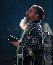 11 марта. Протодиакон Андрей Железняков (фото Александра Чурбанова)