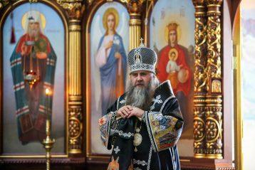 1 апреля. Митрополит Георгий произносит проповедь после литургии (фото Александра Чурбанова)