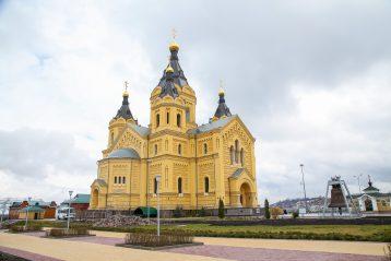 16 апреля. Александро-Невский кафедральный собор (фото Александра Чурбанова)