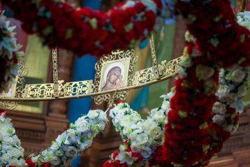26 апреля. В Александро-Невском кафедральном соборе (фото Александра Чурбанова)