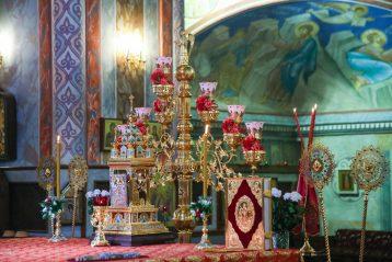 26 апреля. В алтаре Александро-Невского кафедрального собора (фото Александра Чурбанова)