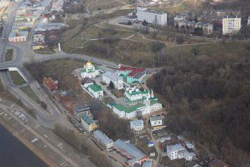 4 апреля. Благовещенский мужской монастырь Нижнего Новгорода (фото Сергея Лотырева)