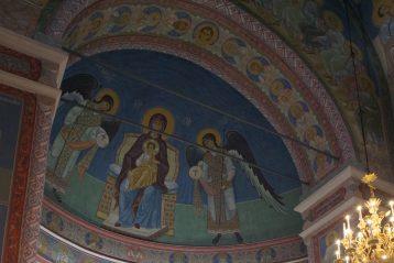 5 апреля. В алтаре Александро-Невского кафедрального собора (фото Алексея Козориза)