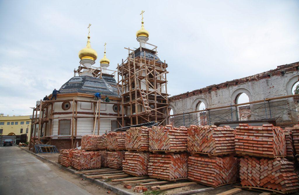 Божий дом. Возрождение храмов в Нижегородском кремле.