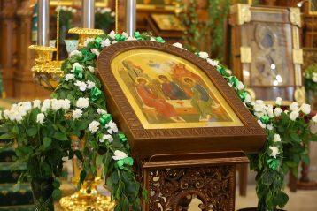 7 июня. В Александро-Невском кафедральном соборе Нижнего Новгорода (фото Сергея Лотырева)