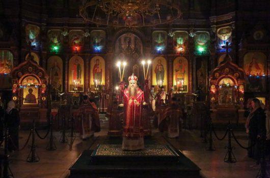 17 июля. Митрополит Георгий совершает Божественную литургию в Александро-Невском кафедральном соборе Нижнего Новгорода (фото Александра Чурбанова)