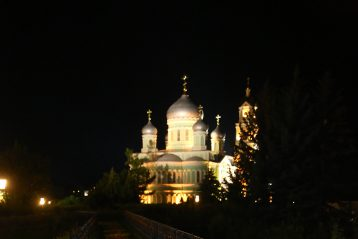 28 августа. На Святой Канавке в Серафимо-Дивеевском монастыре (фото Сергея Лотырева)