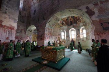 7 августа. Божественная литургия в Свято-Троицком Макарьевском Желтоводском монастыре (фото Алексея Козориза)