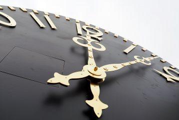 13 октября. Циферблаты стоящейся колокольни Нижегородского кремля (фото Виолетты Калашниковой)
