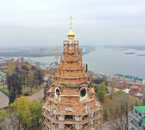 31 октября. Колокольня в Нижегородском кремле (фото Александра Фролова)
