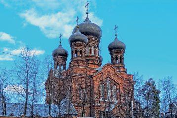 Красная церковь (Введенский собор Введенского монастыря)