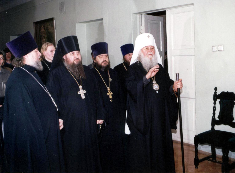 Владыка Николай в новом здании семинарии на Похвалинском съезде