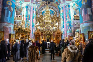 16 марта. Утреннее богослужение в Серафимо-Дивеевском монастыре (фото Александра Чурбанова)
