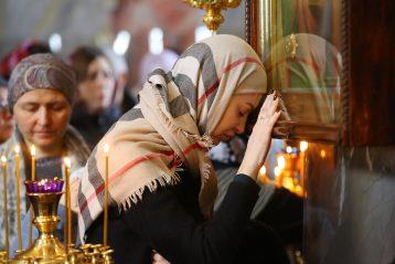 20 марта. В Троицком соборе Серафимо-Дивеевского монастыря (фото Сергея Лотырева)