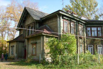 Здание бывшей церкви-школы в 2009 году. Фото Марины Тарасовой