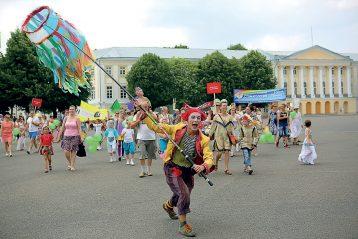 Фестиваль уличных театров вЯрославле, 2013 г.