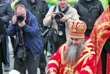 2 мая. Пасхальный крестный ход (фото Алексея Козориза)