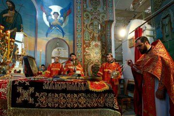 22 мая. Божественная литургия в Вознесенской церкви на улице Ильинской (фото Бориса Поварова)