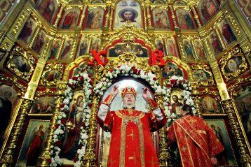 3 мая. Божественная литургия в нижегородском храме во имя Всемилостивейшего Спаса (фото Бориса Поварова)