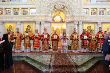 6 мая. После освящения храма в честь блаженной Матроны Московской (фото Сергея Лотырева)