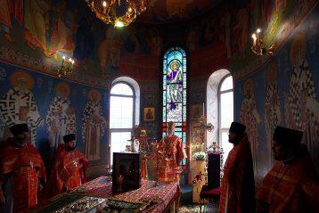 8 мая. Божественная литургия в нижегородском храме в честь иконы Божией Матери «Скоропослушница» (фото Бориса Поварова)