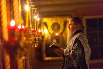 21 июля. Ночная Божественная литургия в нижегородском храме в честь иконы Божией Матери «Прибавление ума» (фото Автозаводского благочиния)