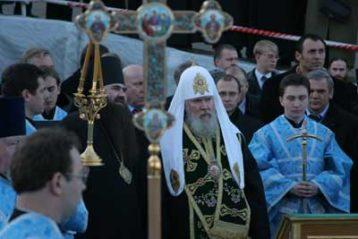 Начало закладки храма во имя Казанской иконы Божией Матери