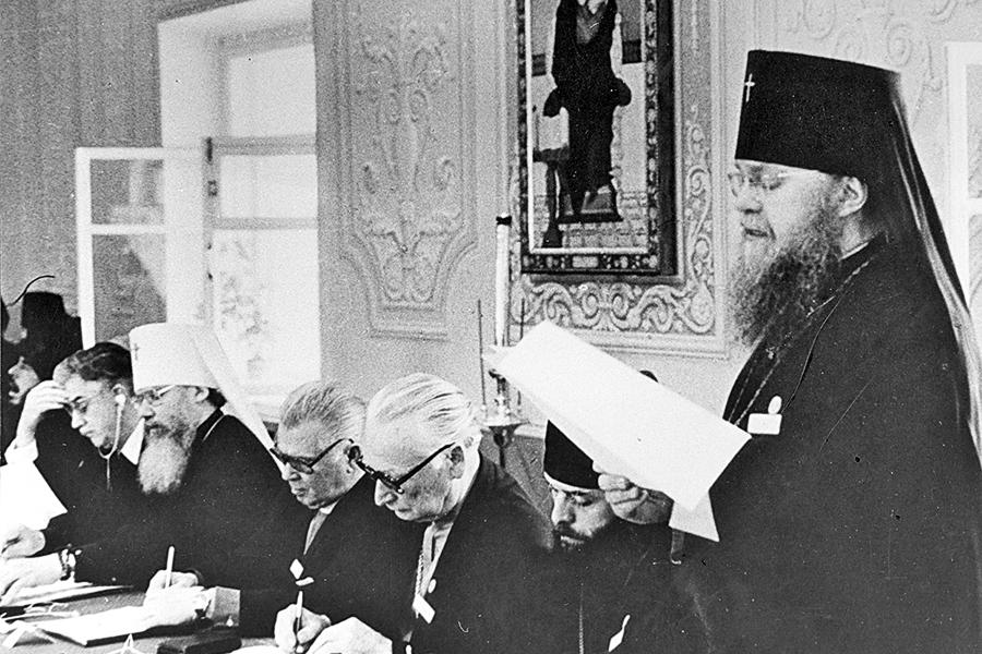 vystuplenie-vladyki-nikolaya-na-seminare-v-pyuhtitskom-uspenskom-monastyre-estoniya