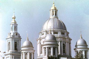 Елоховский собор в Москве в 1988 году
