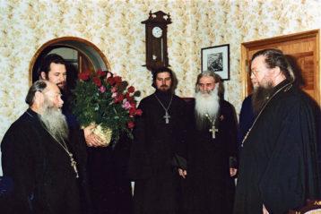 Встреча владыки Николая со священниками-фронтовиками в Горьковском епархиальном управлении в начале 1980-х годов.