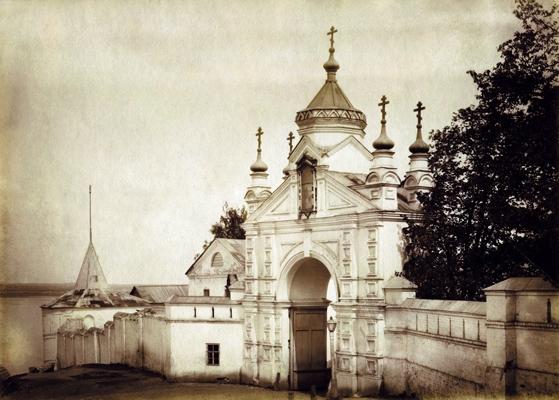 Святые врата Вознесенского Печерского монастыря