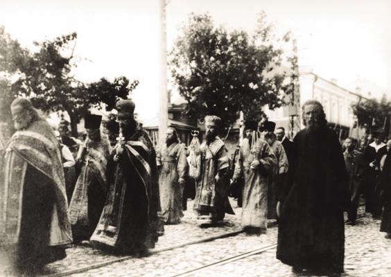 Епископ Балахнинский Лаврентий во время крестного хода в Нижнем Новгороде