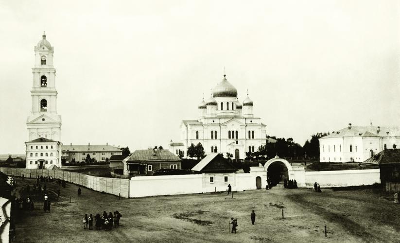 Свято-ТроицкийСерафимо-Дивеевский монастырь