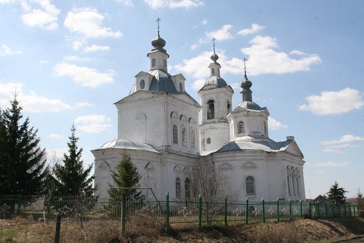 Успенская церковь в селе Бортсурманы. Фото Б. Поварова