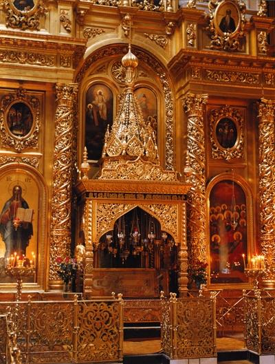 Рака с мощами святителя Алексия, митрополита Московского, в Богоявленском Елоховском соборе г. Москвы