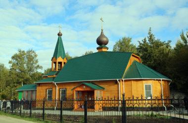 Hram-v-chest-svyatogo-proroka-Bozhiya-Ilii-Novostriginskoe-kladbishhe