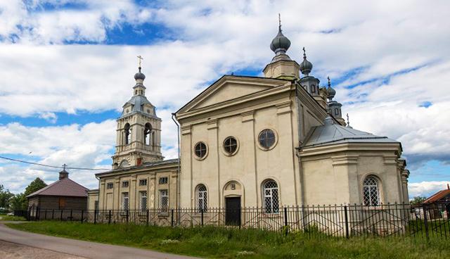 Храм в честь Покрова Пресвятой Богородицы (с. Кичанзино)