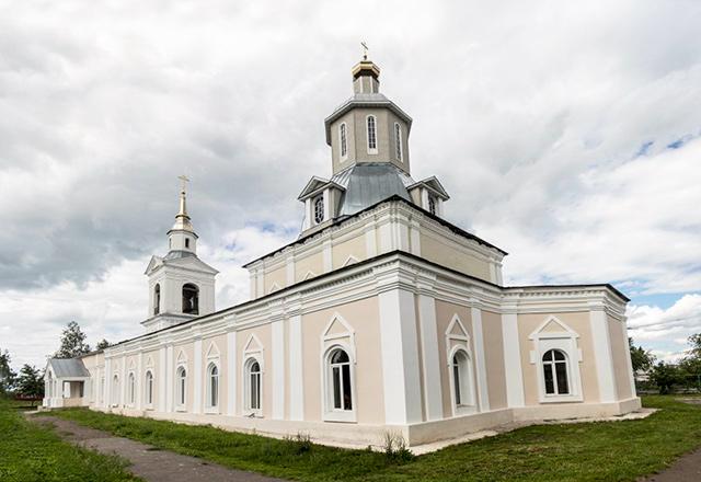 Храм в честь Рождества Христова (с. Красное)