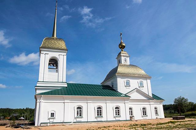 Храм в честь Рождества Христова (с. Рождественский Майдан)