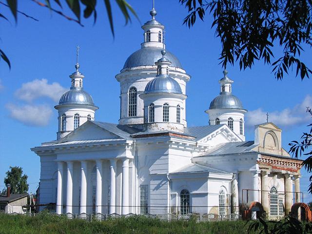 Храм во имя Пресвятой Живоначальной Троицы (с. Новый Усад)